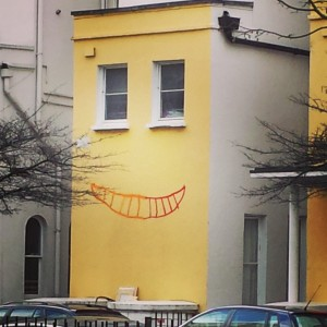 smiling-house-notting-hill-graffitti